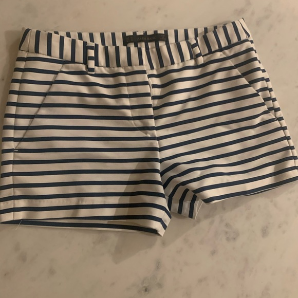 Zara Pants - Zara stripped shorts
